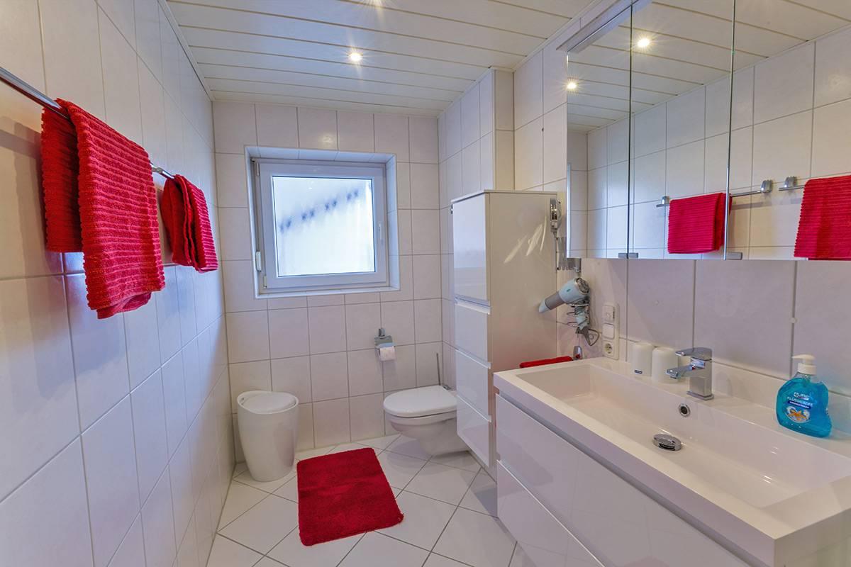 ... Ferienwohnung 2 U2013 Badezimmer ...